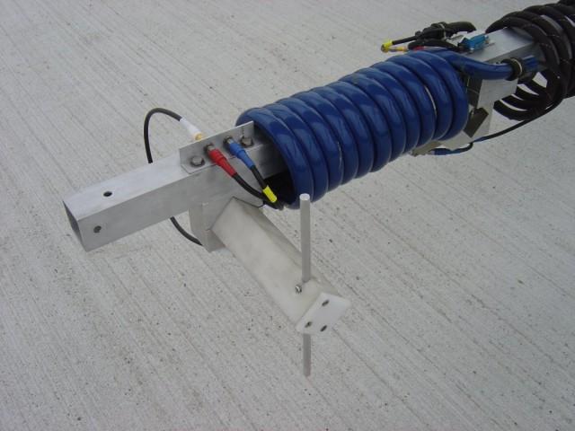 De voor de metingen van de TV-signalen gebruikte zelf gemaakte dipoolantenne